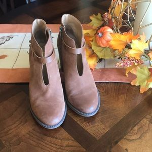 Like new Franco Sarto ankle boots